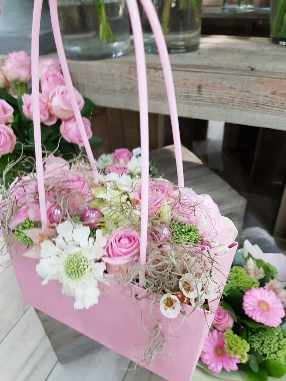 Faites Livrer Des Fleurs A Castelsarrasin Pour Un Cadeau D Anniversaire Raffine