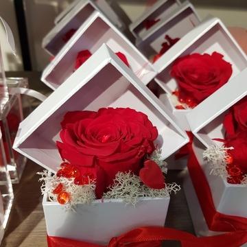 Composition florale pour Saint-Valentin à Castelsarrasain